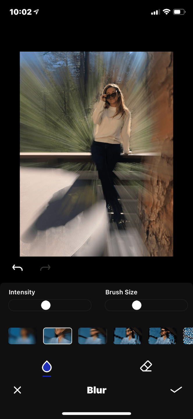 A photo with the background blurred using an app