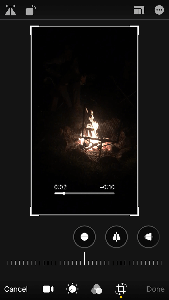 A screenshot demonstrating how to straighten a video on iphone