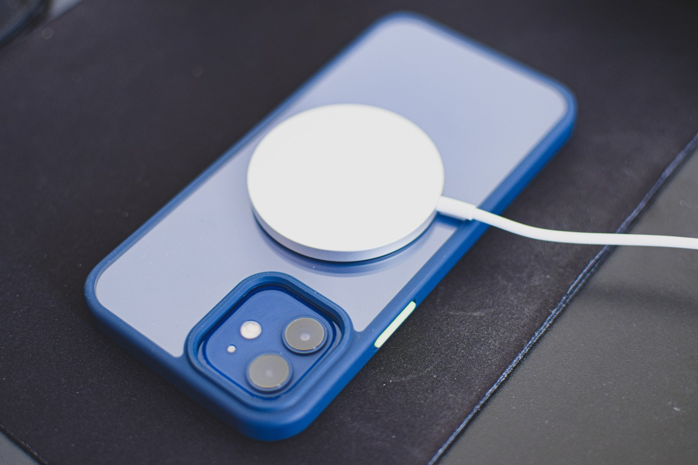 Wireless charger used with iPhone 12